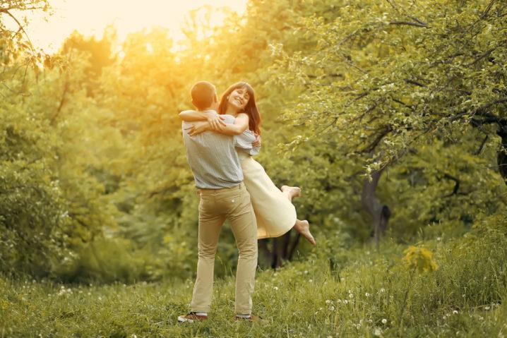彼女のいる人に効果的に告白することで愛を勝ち取る