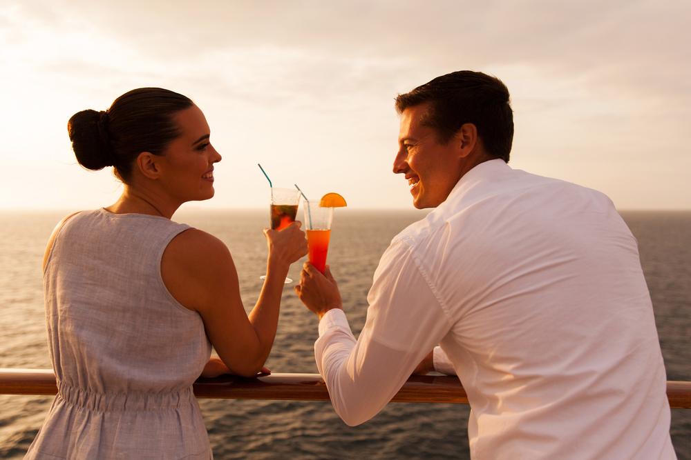 既婚者なのに二人だけで飲みに誘う男性の心理
